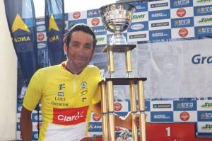 Carlos Oyarzún, campeón de la 72ª edición de la Vuelta Ciclista del Uruguay