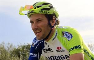 Ivan Basso abandona el Tour por cáncer de testículo